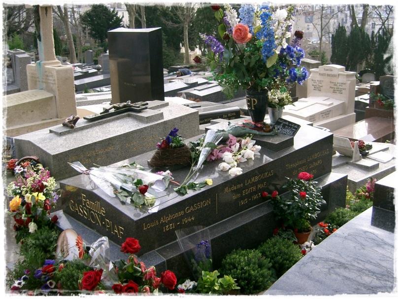 Édith Piaf está enterrada con su marido Sarapo, su padre y su hija Marcelle