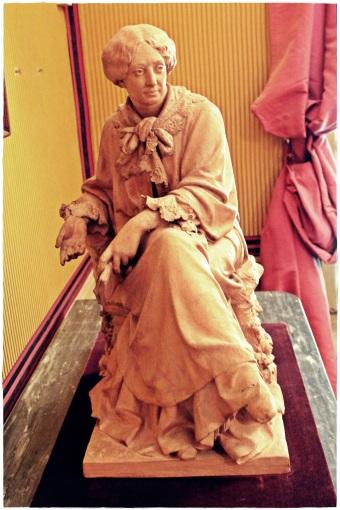 Pequeña escultura en terracota de George Sand por Aimé Millet (1819-1891), cedida por el Museo Carnavalet