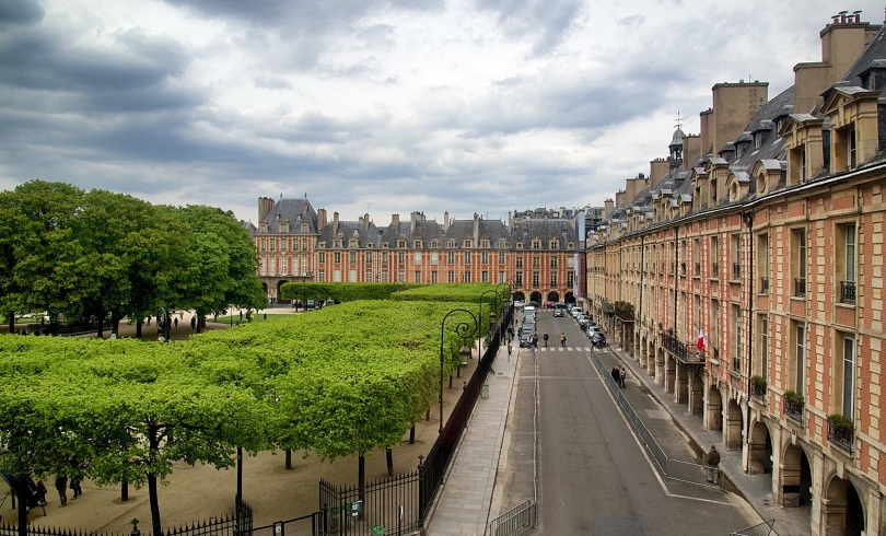 Place-des-Vosges-Paris-view-from-Victor-Hugo-House