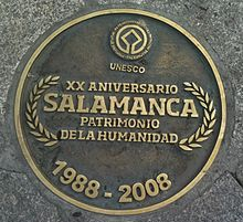 220px-Center_of_the_plaza_mayor_salamanca