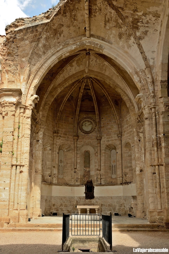 altar abadía.jpg