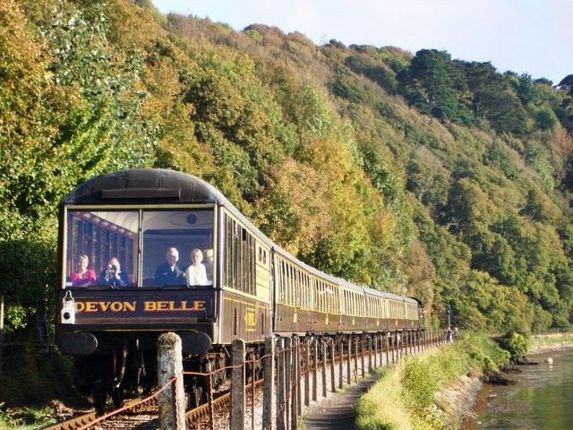 Devon_Belle_Steam_Train_approaching_Kingswear_Station_-_geograph.org.uk_-_1535155