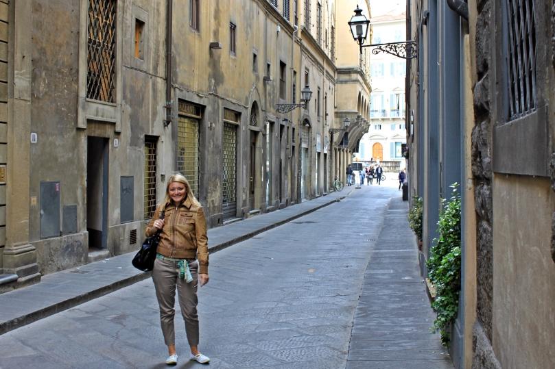 En Florencia. Prefiero la exploración urbana a la aventura. Y me gusta lucir bien ¡Antes muerta que sencilla!